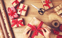 Weihnachtsgeschenke, die Frauen strahlen lassen