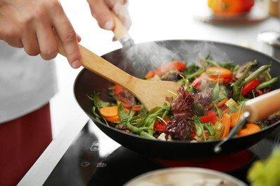 Bratpfanne zum Anbraten, Garen, Dünsten sowie Rösten von Speisen