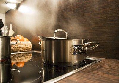 Topfdeckel sparen Energie und halten Nährstoffe im Essen