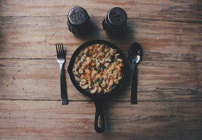 Salz- und Pfefferstreuer für eine würzige Mahlzeit