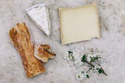 Käsemesser kaufen und Käseprodukte komfortabel schneiden