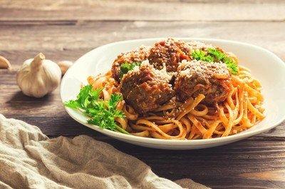 Pastateller zum stilvollen Anrichten Ihrer Nudelkreationen