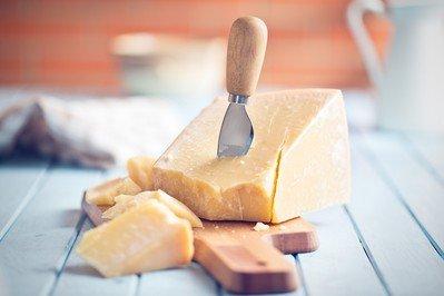 Mit Käse- und Buttermesser das Besteckset komplettieren