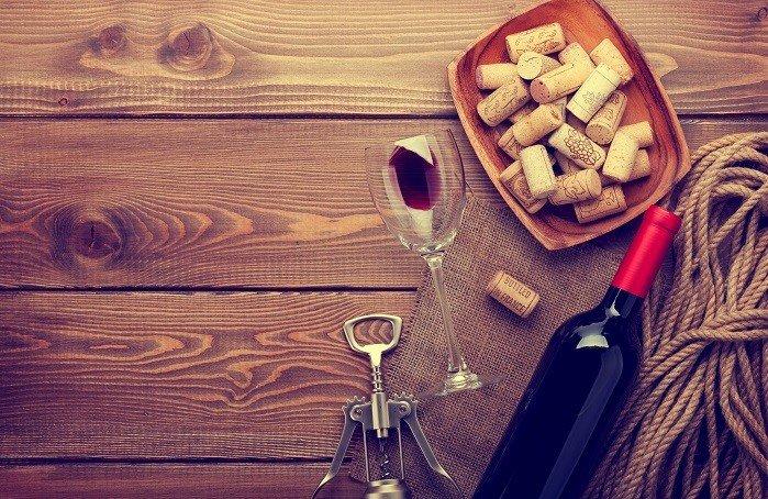 Weinöffner Weinflasche uns Korken.